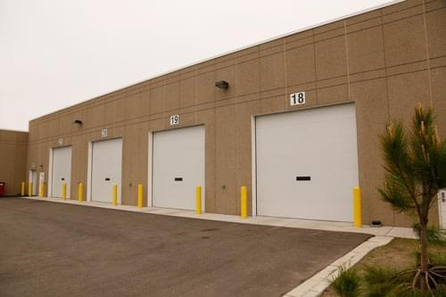3 energy efficient doors twin city garage door co for Energy efficient garage doors